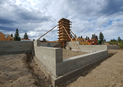 Concrete retaining walls and planters   OR. CONCRETE INC.