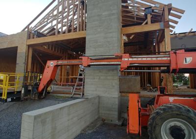 Concrete retaining walls and planters | OR. CONCRETE INC.